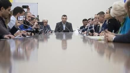 Кличко требует прекратить скандальное строительство на Осокорках до согласования с общиной