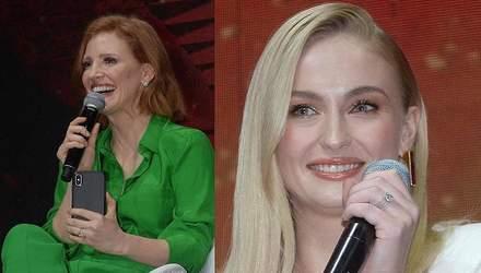 Джессіка Честейн і Софі Тернер відвідали комедійний фестиваль у Сан-Паулу: яскраві фото