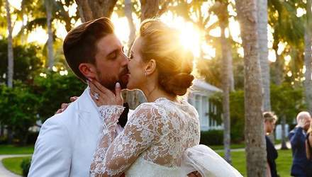 """Звезда сериала """"Стрела"""" Кэти Кэссиди вышла замуж: первые фото с церемонии"""