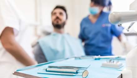 Відомий стоматолог назвав основні причини втрати зубів