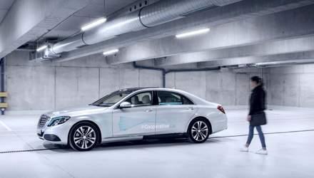 """Daimler навчить безпілотники """"спілкуватися"""" з пішоходами"""
