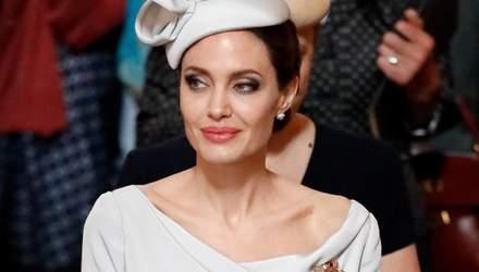 Взялась за детей: Анджелина Джоли сказала своему сыну, что Брэд Питт был против его усыновления