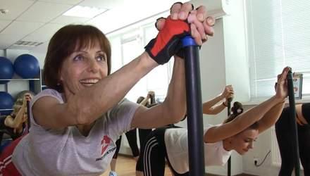 """""""Отдыхать – значит, заржаветь"""": фитнес-тренер из Херсона установила рекорд Украины в 63 года"""
