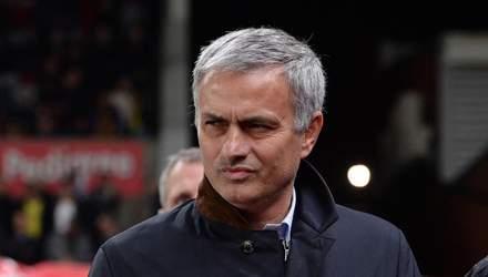 """Манчестер Юнайтед"" официально уволил Моуринью"