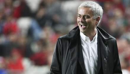 """Гравці """"Манчестер Юнайтед"""" сперечалися на гроші, що Моурінью звільнять"""