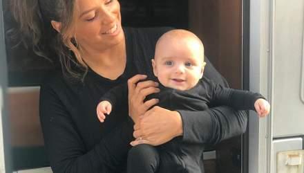 Мамочка Ева Лонгория поздравила сына с полугодием: трогательное фото