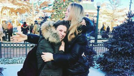 Ольга Фреймут відправилась з сім'єю у казковий Діснейленд: яскраві фото