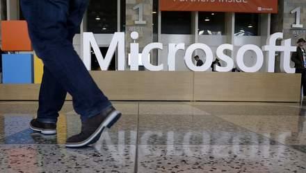 """В сети """"засветился"""" неанонсированный кнопочный смартфон от Microsoft"""