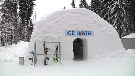"""Снігова казка на Прикарпатті: у """"Буковелі"""" зводять льодовий готель"""