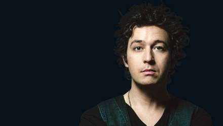 """Известный певец Pianoбой презентовал новую песню в прямом эфире """"Х-фактора"""": зажигательное видео"""