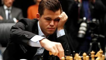 Шахи: Карлсен, який програв українцям, виграв чемпіонат світу з бліцу