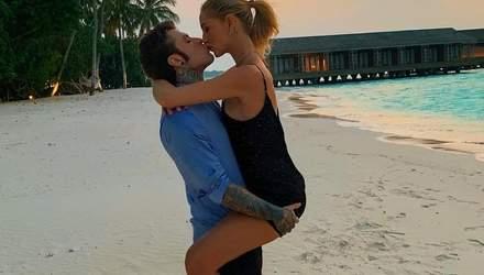 Медовый месяц на Мальдивах: Кьяра Ферраньи показала соблазнительные фото в бикини