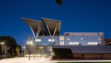 Сонцезалежна: як виглядає найбільша будівля, що працює від сонячних панелей