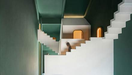 Задзеркалля: дивовижний готель у Китаї у стилі казок про Алісу з Дивокраю