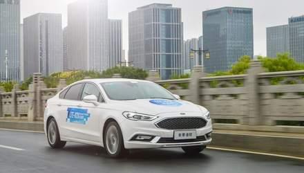 """Qualcomm продемонстрировала технологию для """"общения"""" между автомобилями: детали"""