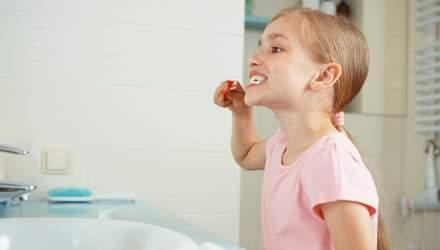Як вибрати зубну щітку для дитини: поради стоматолога