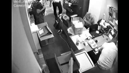 """Шокуюча історія пограбування правоохоронцями ювелірного салону """"Графф"""": що відомо про справу"""