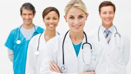 Нестача медперсоналу в Україні: скільки лікарів виїхало на заробітки у Польщу