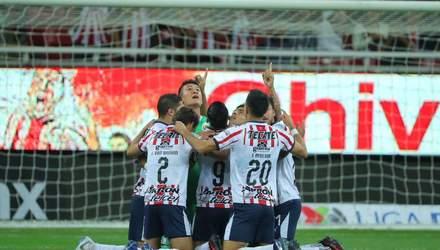 У лізі Мексики м'яч підло прокотився по лінії воріт, рефері 8 хвилин дивився повтор: відео