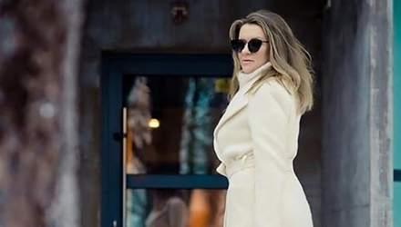 Не впізнати: Наталія Могилевська приміряла трендове зимове вбрання