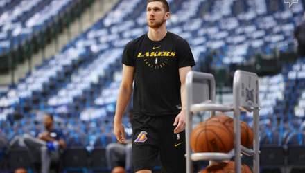 Українець Михайлюк вперше приміряв форму нового клубу НБА: фото
