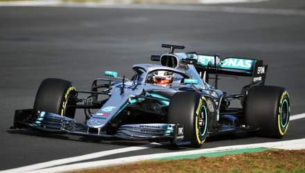 Хэмилтон впервые опробовал новый болид Mercedes для Формулы-1: яркое видео