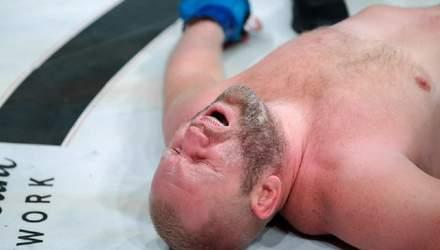 Американец Митрион нокаутировал россиянина Харитонова ударом между ног: головокружительное видео