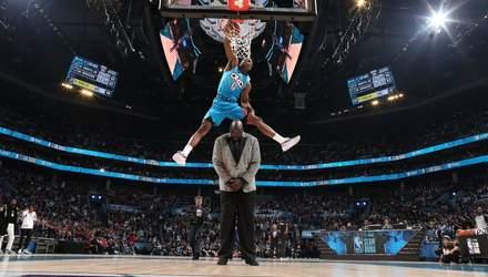 Баскетболист перепрыгнул двухметрового Шакила О'Нила и выиграл конкурс данков: видео