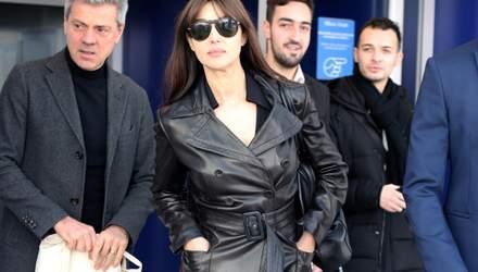 В кожаном пальто и на каблуках: роскошный выход Моники Беллуччи в Милане