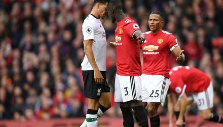 """Победа или галстук: что игроки """"Манчестер Юнайтед"""" подарят тренеру в матче против """"Ливерпуля""""?"""