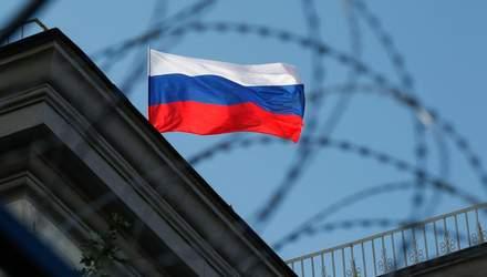 Санкції на папері: чому ЄС та США реагують на збройну агресію Росії, а Україна – ні