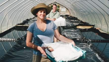 Потомственные солевары Нэнси Брунс и Льюис Пейн изготовляют необычную соль дедовским методом