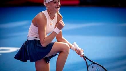 Українка Ястремська впевнено перемогла росіянку в турнірі WTA в Маямі: відео