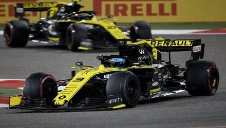 Пилот Renault едва не ударил током болид во время гран-при Бахрейна