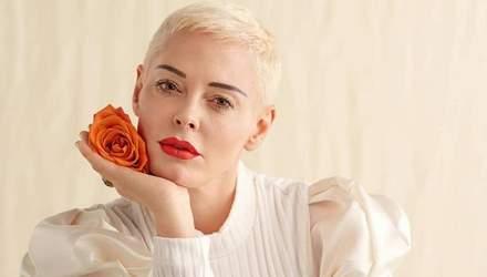 """Зірка серіалу """"Всі жінки – відьми"""" Роуз МакГавен приїде в Україну"""
