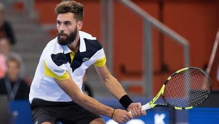 Мяч застрял в ракетке теннисиста после мощного удара на Roland Garros: видео