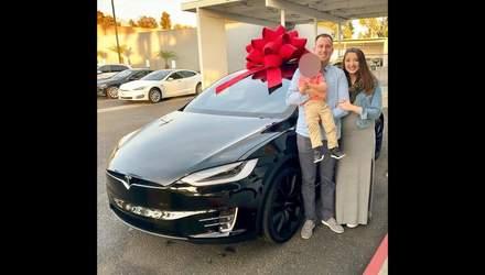 Семья подала в суд на Tesla