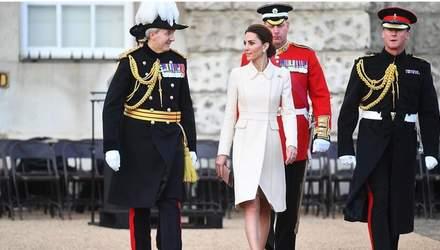 По-королевски изысканно: Кейт Миддлтон впервые посетила парад конной гвардии