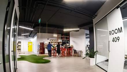 Гойдалки, мох на стінах і жодних оупенспейсів: чим дивує офіс IT-компанії у Львові