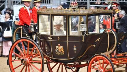 Официальное празднование дня рождения Елизаветы II: роскошный выход 93-летней королевы и семьи