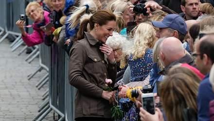 Без каблуков и элегантного платья: Кейт Миддлтон засветила повседневный образ в Камбрии