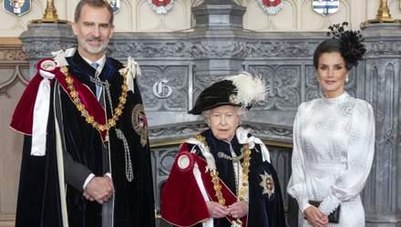 Образ на миллион: королева Летиция засветила сумку за 1400 евро на встрече с Елизаветой II