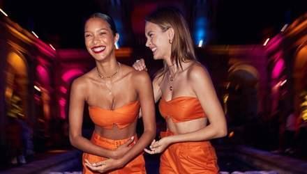 В одинаковых секси-костюмах: Жозефин Скривер и Лаис Рибейро похвастались стройными фигурами
