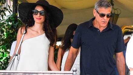Амаль и Джордж Клуни засветились на свидании в том же отеле, где праздновали свадьбу