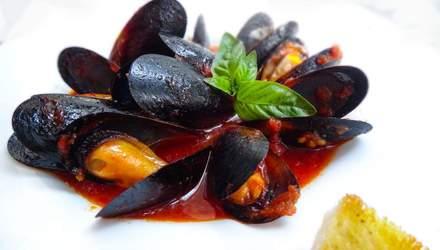Як приготувати мідії в томатному соусі: смачний рецепт від Ектора Хіменеса-Браво