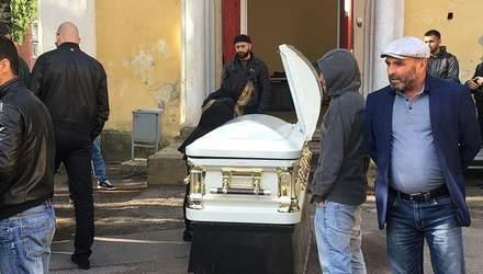 У Росії поховали боксера Дадашева, який трагічно помер: фото та відео