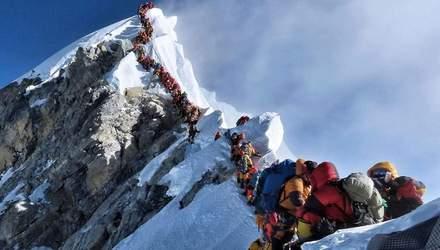 Підйом на Еверест стане ще складнішим: влада Непалу посилила правила сходження на верхівку