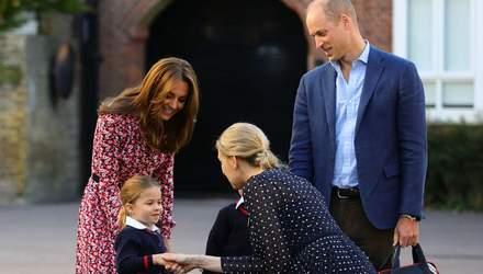 Принцесса Шарлотта впервые пошла в школу: какое платье выбрала Кейт Миддлтон для  события