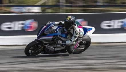 У Києві відбувся фінал запеклого змагання мотогонщиків: фото