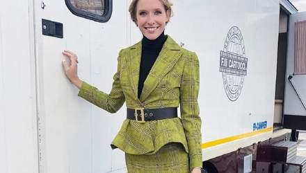 У картатому костюмі: Катя Осадча засвітила стильний осінній look